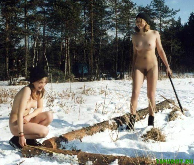 Секс нудистов на снегу
