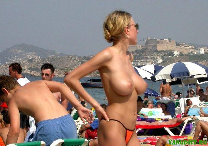 Нудисткий пляж фото
