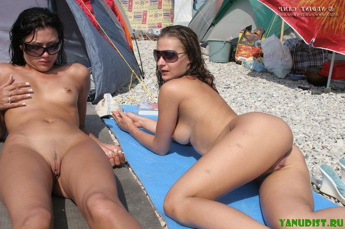 голые нудийские на пляже девушки