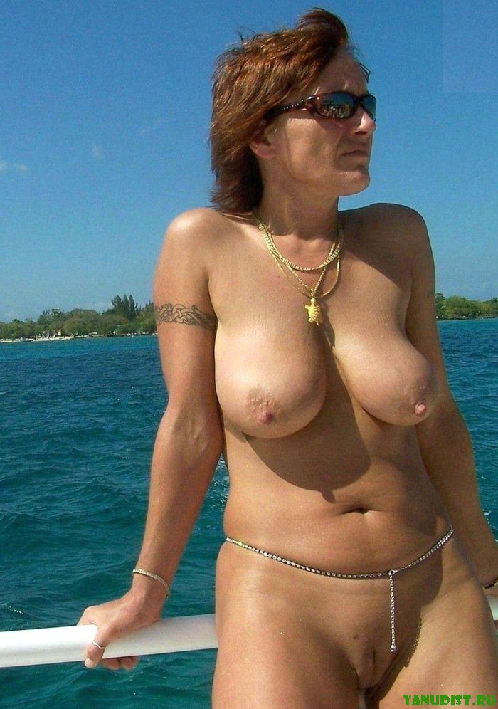 голые женщины нудисты на пляже
