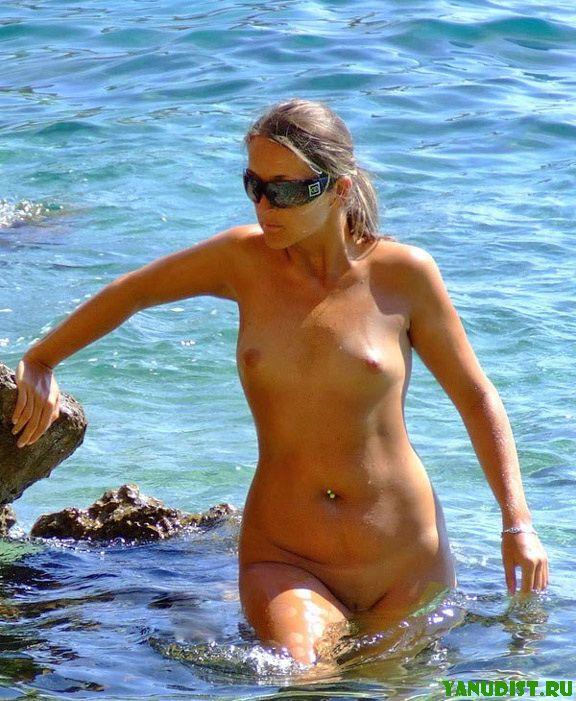 Нагие девки на пляже
