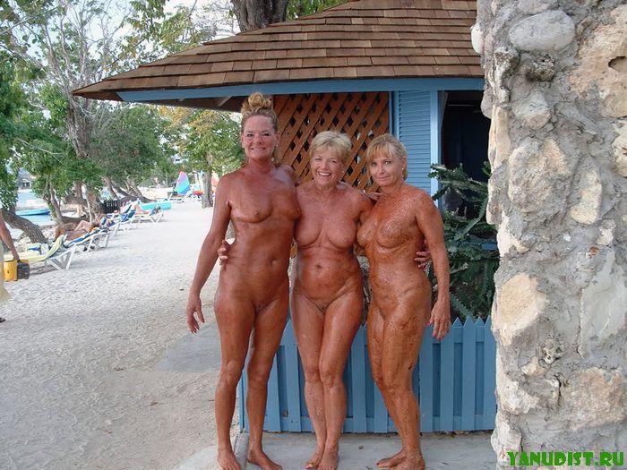 Фото голых старух нудисток фото 203-508