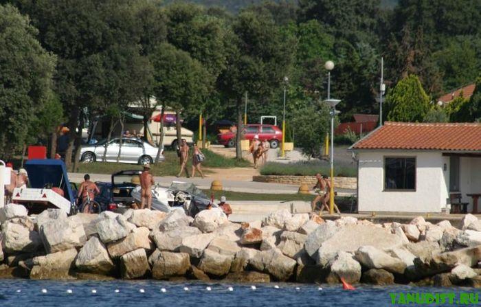 Нудисты Европы будут отдыхать в Хорватском кемпинге