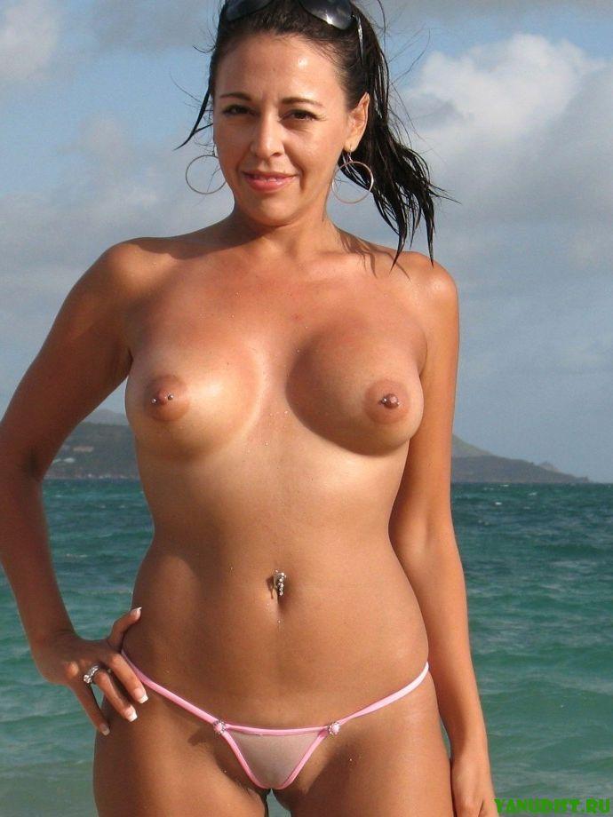 Топлесс пляж