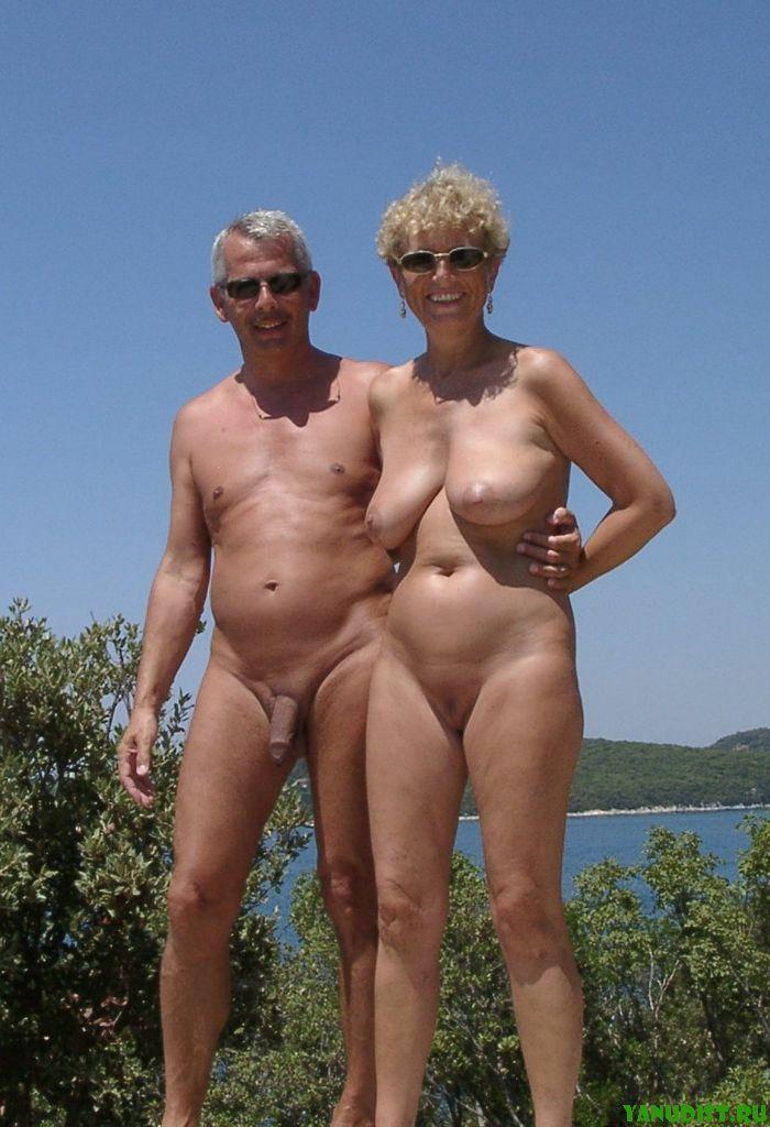Фото голые пожилые на море фото 175-217