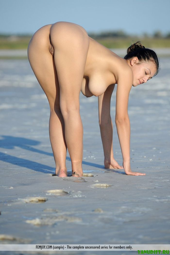 Нудистам море девушки фото фото 33-311