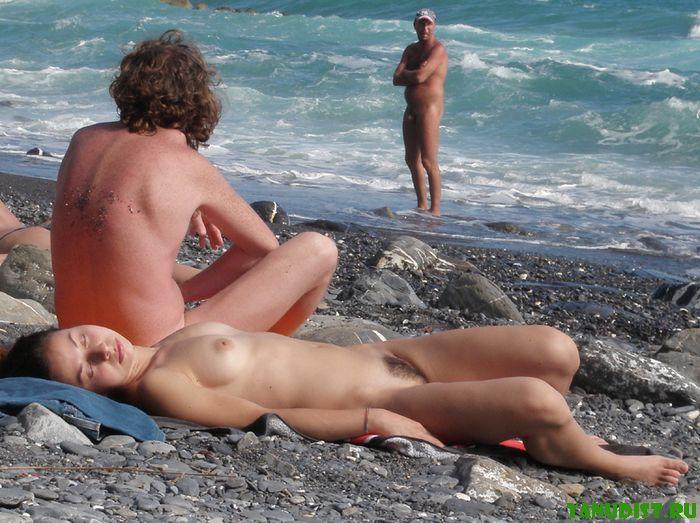 Первый раз на нудисткий пляж фото 51-576