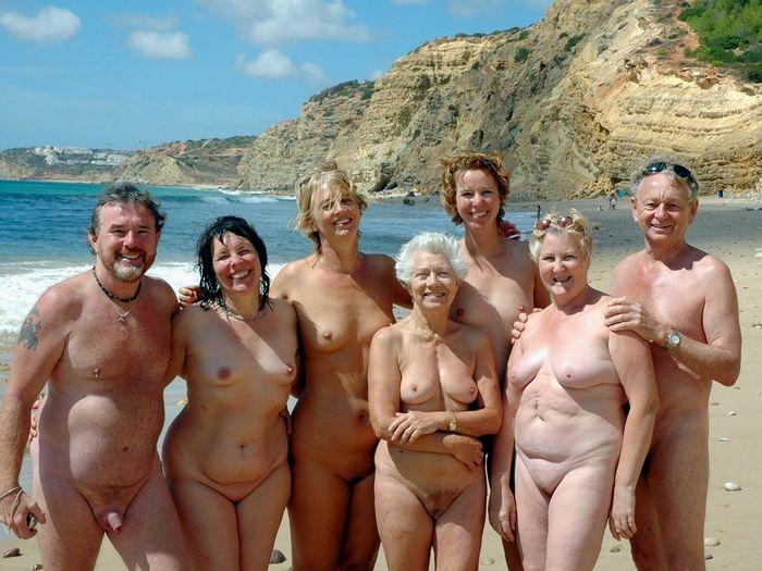 Пляжные нудисты. Отношение психологов