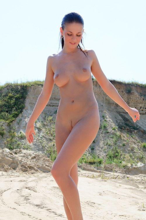 Пляжи испании фото обнажённых девушек фото 524-487