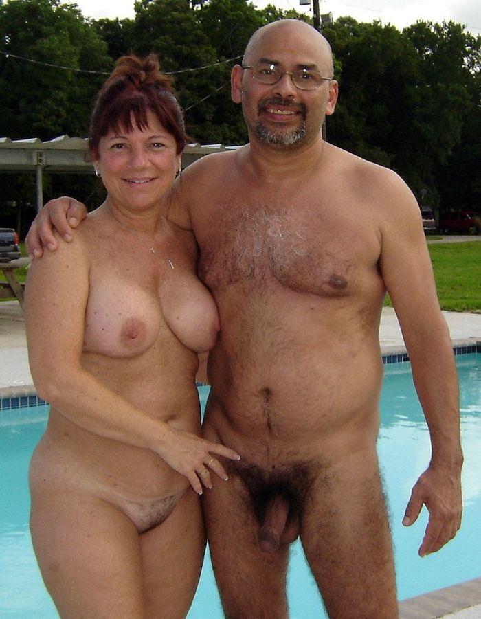 Зрелые женщины в возрасте голые на отдыхе 0 фотография