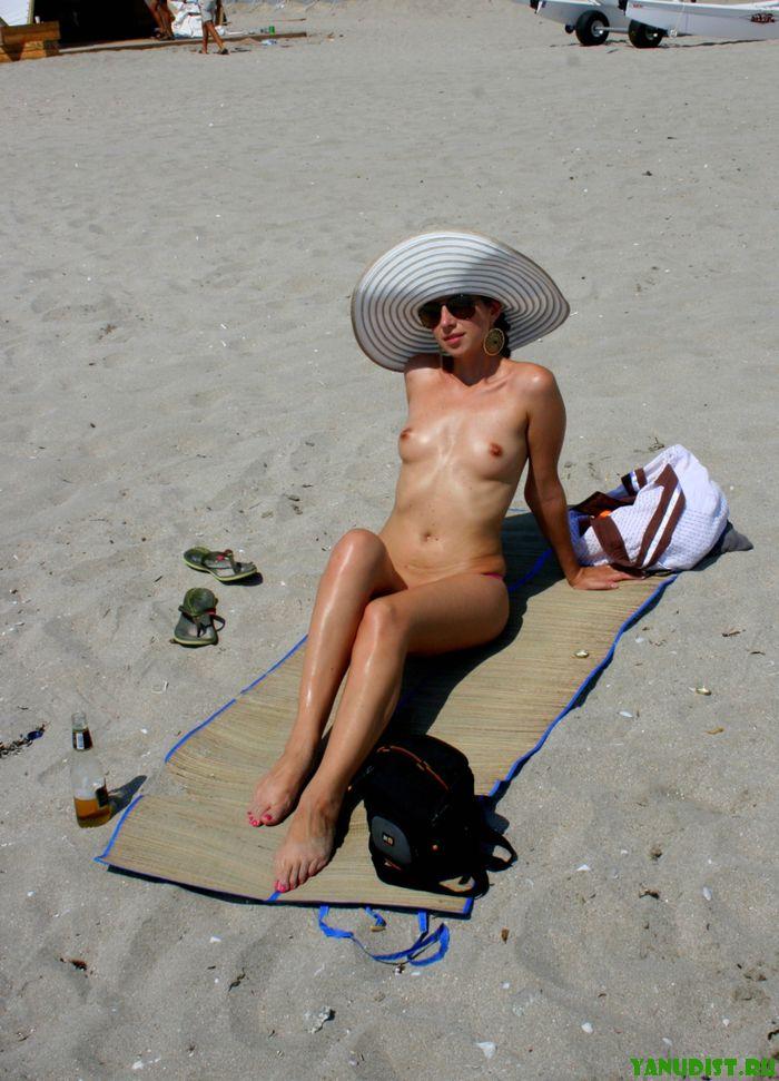 Красивые нудисты или отдых в Крыму