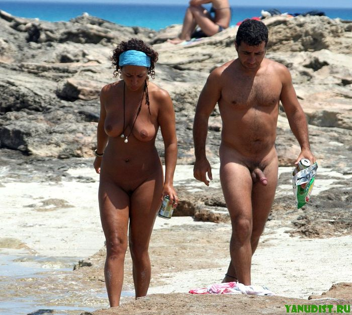Американские нудисты на topless пляже South Beach во Флориде