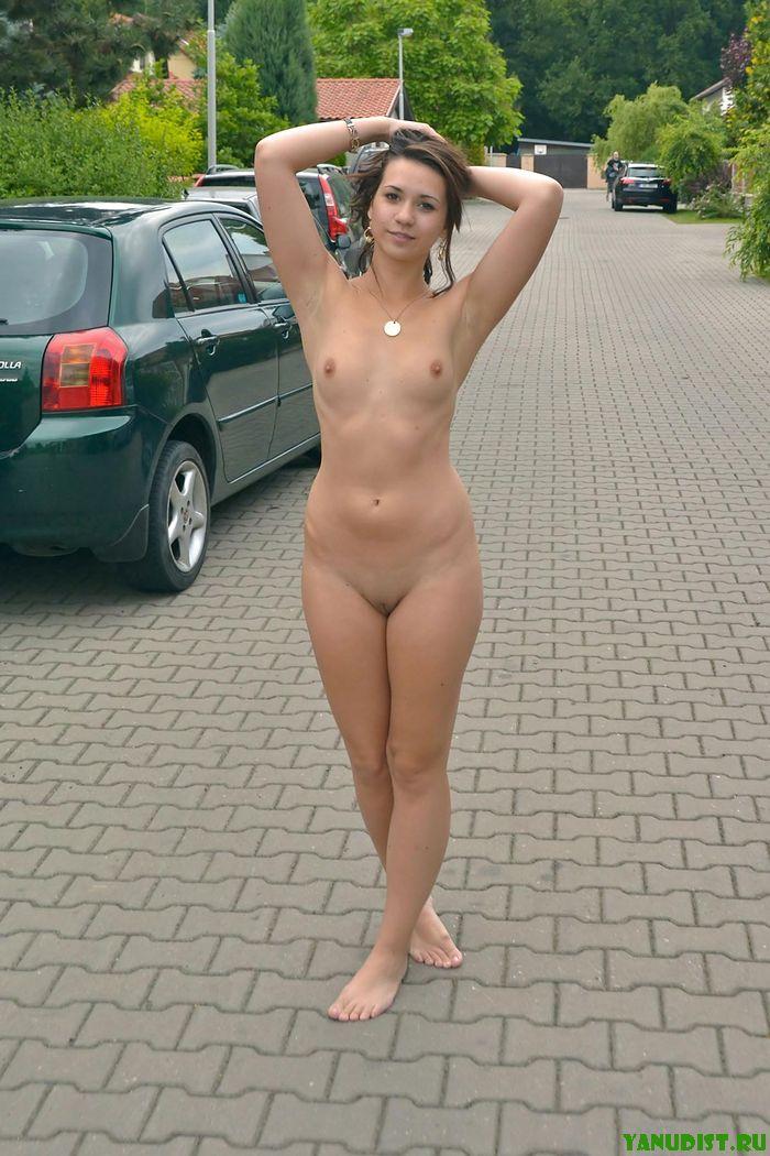Самые раскованные девочки нудисточки фото