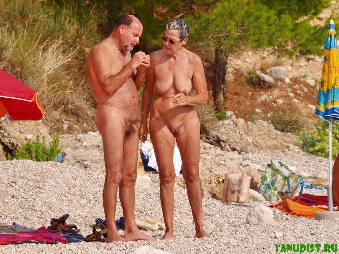 Приветливый нудийский пляж онлайн готов встречать гостей