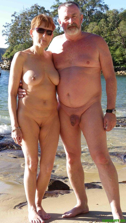 Фото пожилых голых на природе 12 фотография