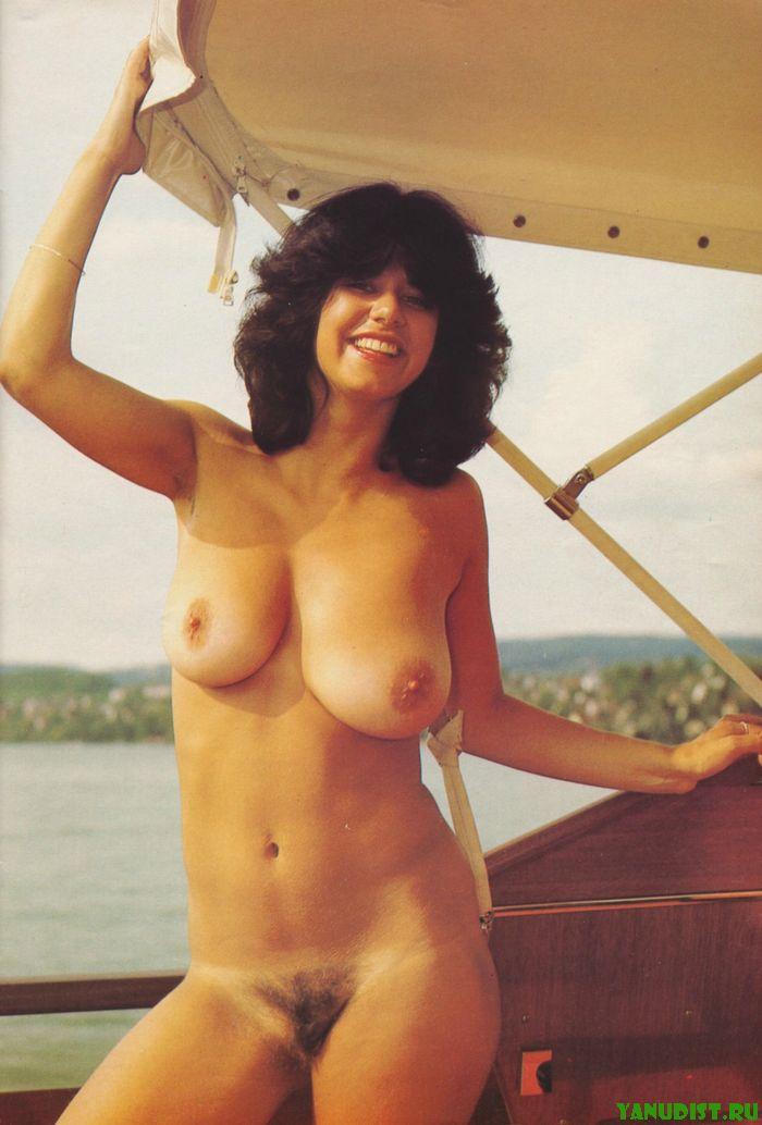Женское тело без одежды из далекого прошлого