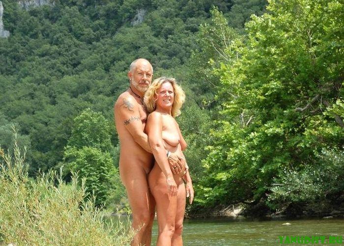 Зачетный отдых нудистов парами
