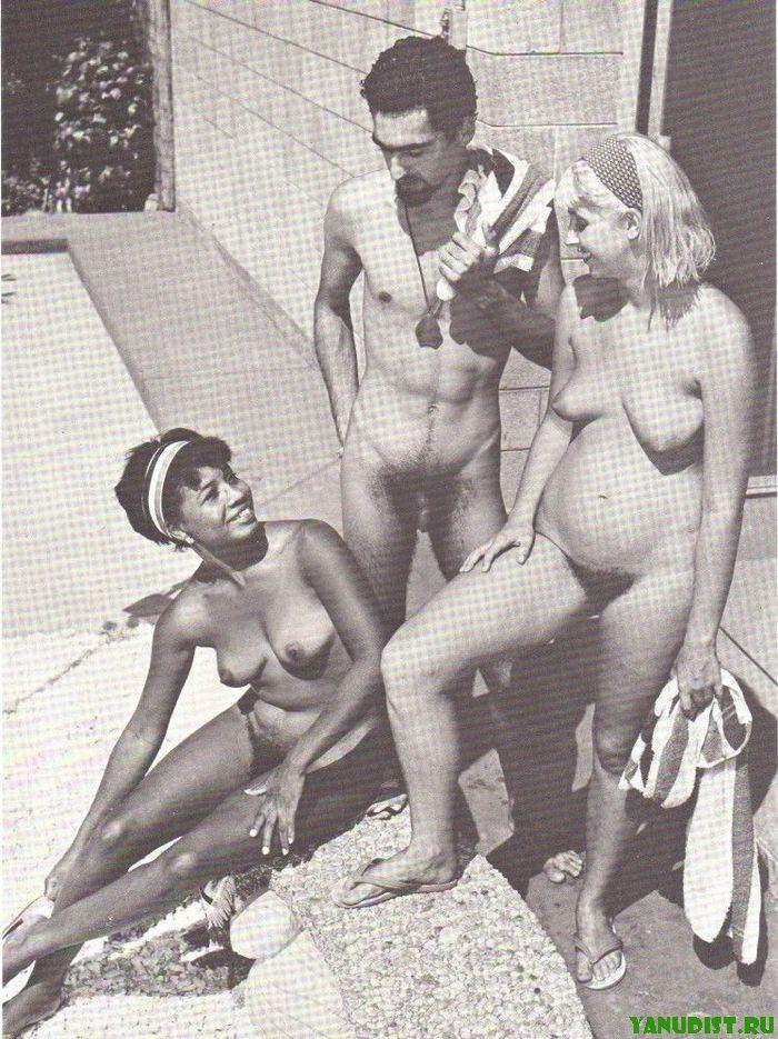 Старинное фото голых девушек и женщин