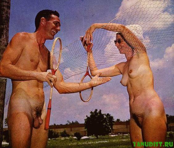 Интересно посмотреть на фото ретро нудистов