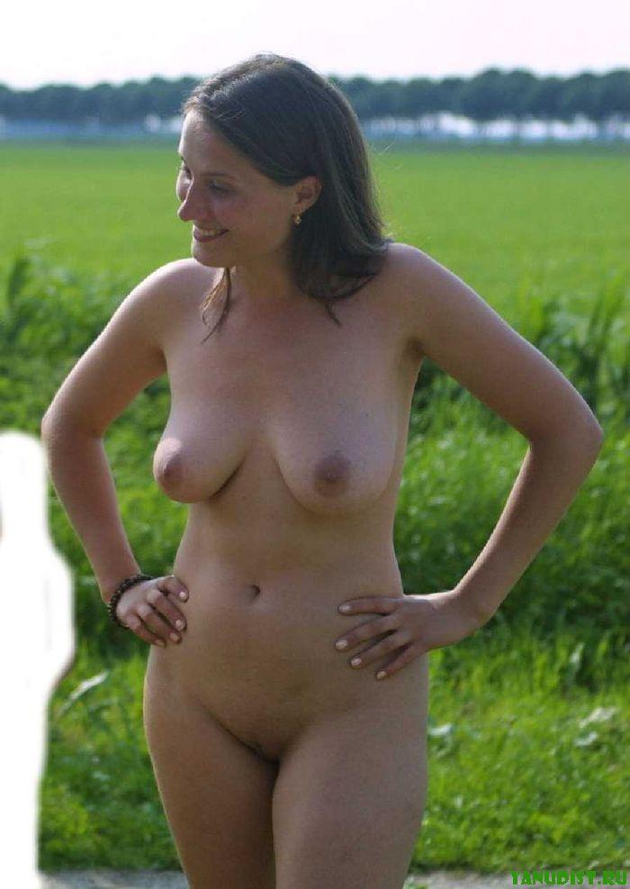 голая женщина на отдыхе фото