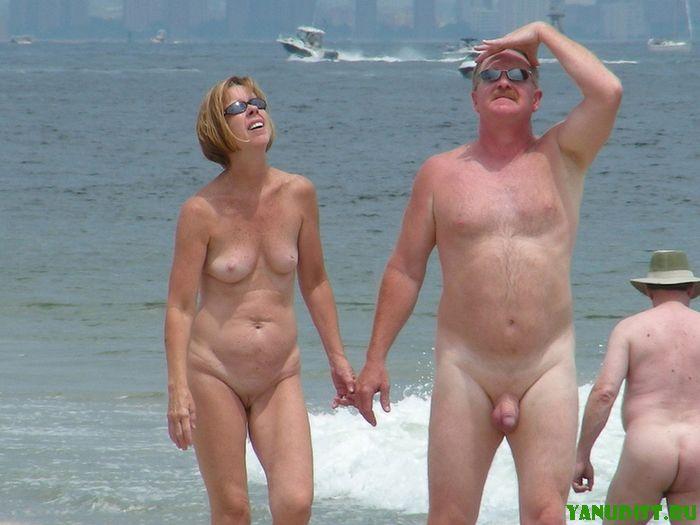 Вместе со своей женой опять посетили пляж