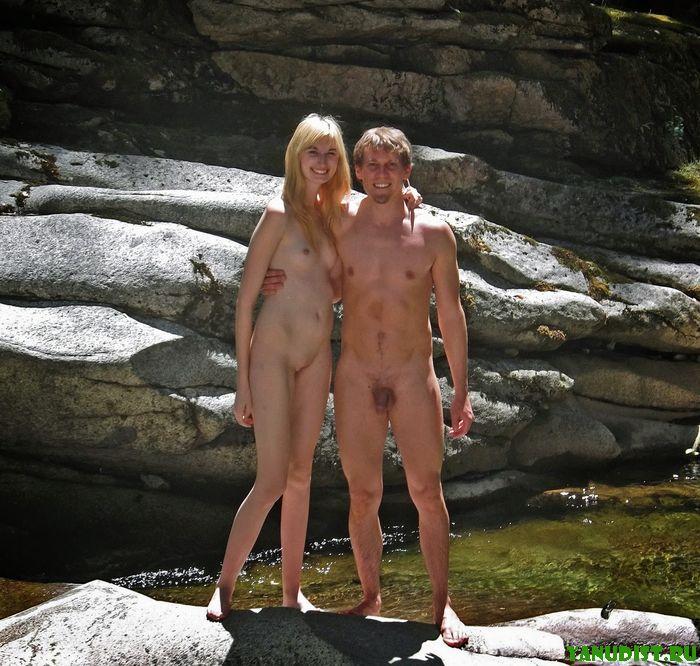 Сладкая парочка нудистов отлично проводят время вместе