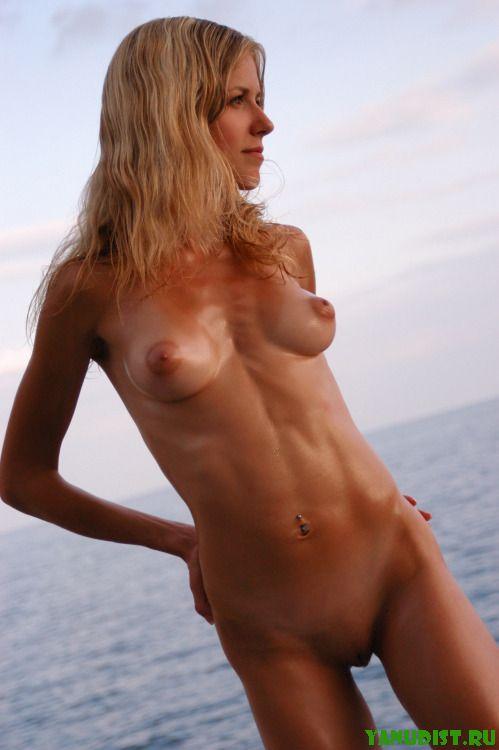 На яхте голышом   это то, что надо!