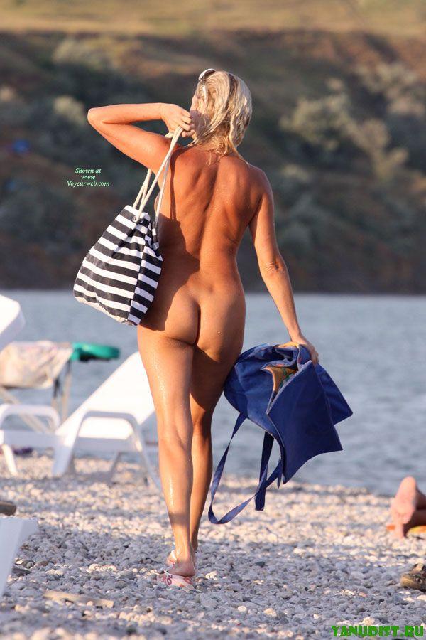 Охотно направляемся на нудистский пляж