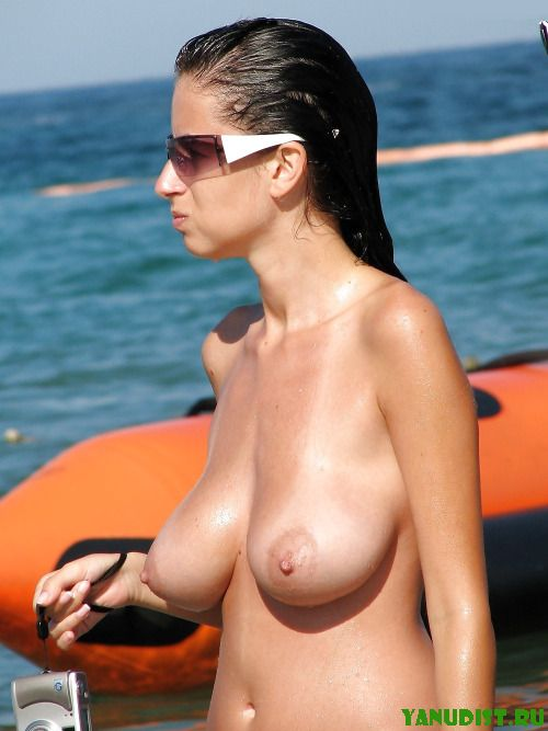 Приятный отдых на нудистском пляже с мужем