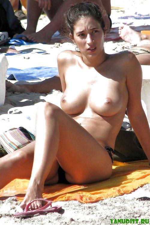 Прекрасные дни на нудистском пляже