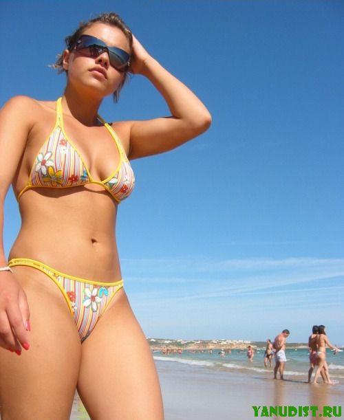 Солнце так и манит на нудистский пляж