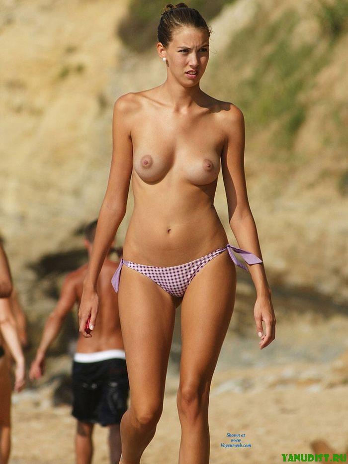 Морской загар так красив на нудистках