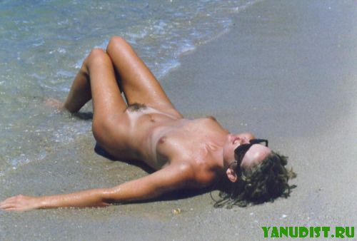Размышление о жизни на нудистском пляже
