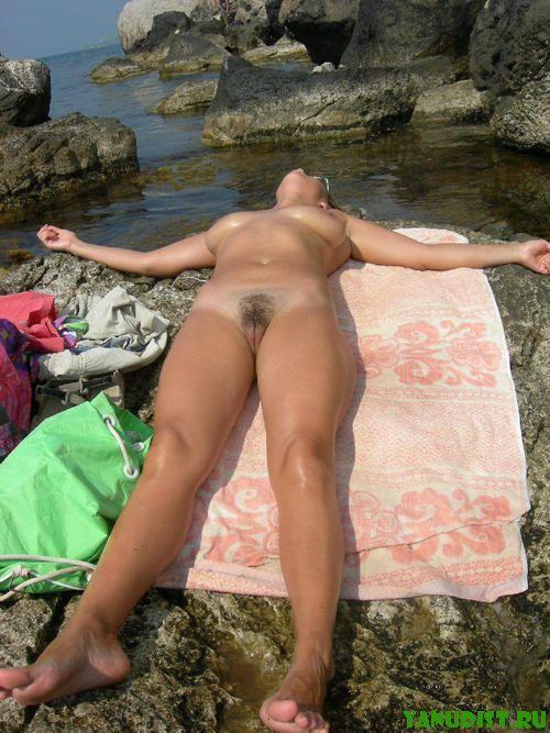 Прекрасный отдых на нудистском с любимой женщиной