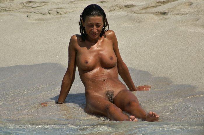 Нудисты фото с самых жарких пляжей мира