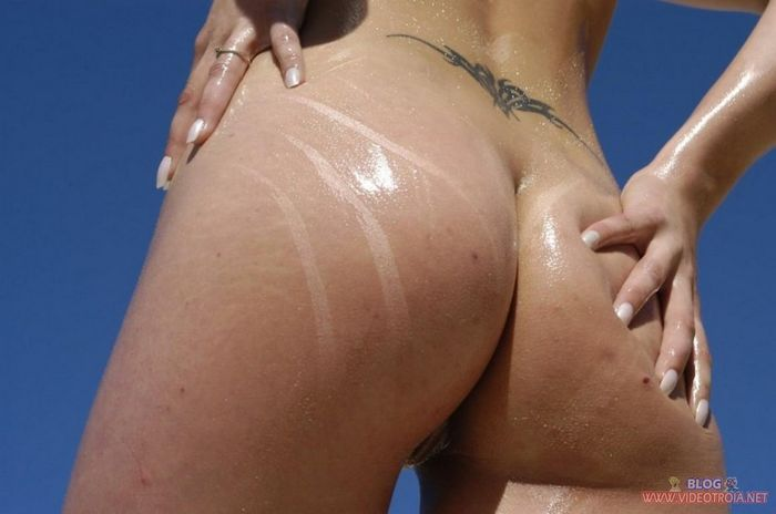 Amateur-Shaved-Oiled-Blonde-Nudist-with-Tramp-Stamp-30