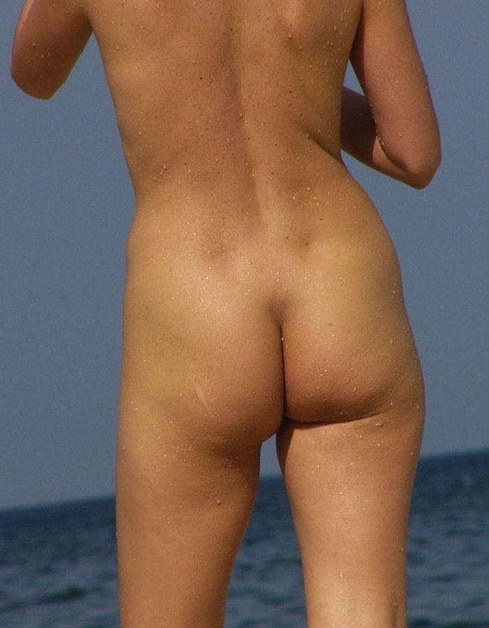 Голые девушки на пляже   вечный повод для самосовершенствования