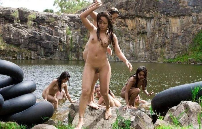 Фото голых нудисточек приведёт в восторг