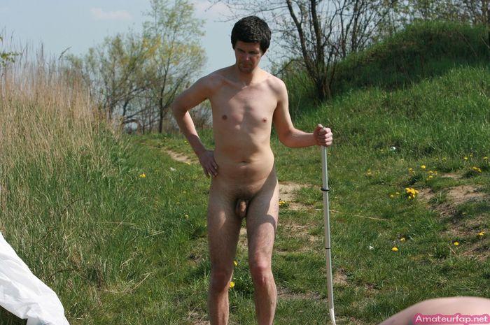Русские нудисточки в гостях у одногрупников