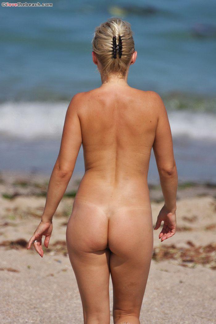 Фото голых натуристов зашкаливает своим настроением