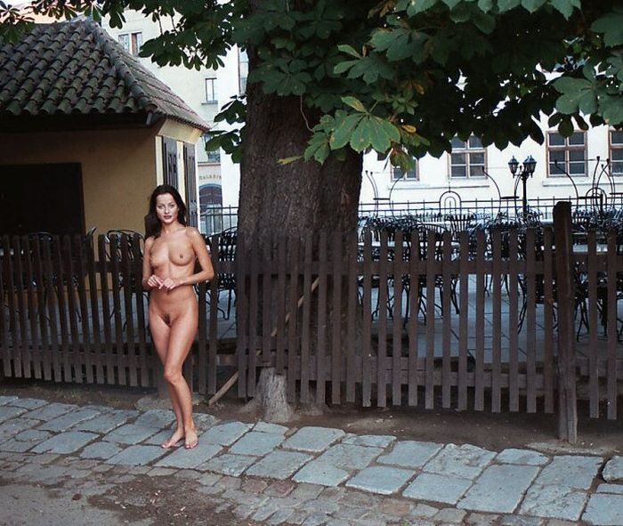 Gella_on_the_streets_(18)_1